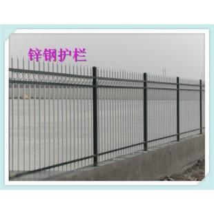 别墅围墙栏杆厂家提示锌钢百叶窗使用的窗帘该如何选择