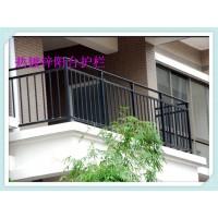 泰州阳台栏杆厂家论锌钢百叶窗是否可以代替防盗窗安装